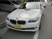 2013年小改款BMW528i.科技層面更高的四缸渦輪引擎*+大螢幕+中文導航