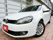 新購入5門漂亮白色GOLF系列最省油車款1.6~TDI優質原鈑件內裝極美里程保證