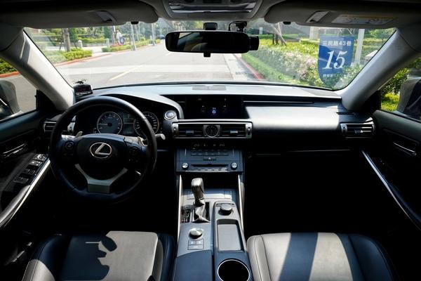 中古車 LEXUS IS Series IS200T 圖片